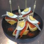 Trio anchois poivrons oeuf