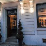 Photo de Hôtel Villa C
