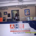 Foto recepção Academy Hotel Curaçao