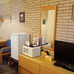 Safari Motel - Standard Queen Room