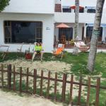 Ecco il cortile sulla spiaggia