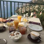Camera e colazione con vista