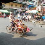 Un cyclo en el centro de Phnom Penh