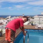 Manu en la terraza del hotel.