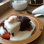 Walnut and chocolate brownie with coconut cream (Vegan)
