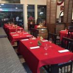 Restaurant à l'ambiance chaleureuse, aux couleurs de l'Italie, dans un décor paré à la Venitienn
