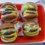 Fuldfede burgere - pomme frites kunne ikke være på billedet :-)