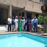 Photo du forum de formation des assistant (e)s DSI prise à coté de la piscine de l'appart hotel