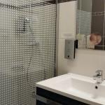 Salle d'eau avec douche à l'italienne