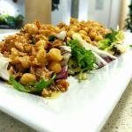Ensalada de legumbres y atún