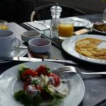 desayunador, alimentos variados y tipicos