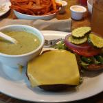 Wings Sandwich with Soup
