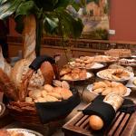Buffet Breakfast  -Desayuno Buffet