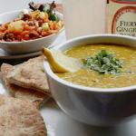 lunchtime special (dahl + naan + salads)