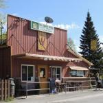 The W.I.P.P. Wolfe Island Pub and Pizzeria
