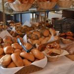 riesige Auswahl an Brot und Brötchen