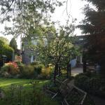 Quiet location, good English breakfast, good hosts, good rooms