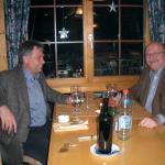 In der Erwartung auf ein genussvolles Abendessen mit einem Geschäftsfreund, erfolgreicher Abschl
