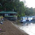 Tauchshop und Boot