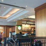 Foto de Starbucks Cafe Niagara Falls