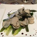 Asparagus salad with summer truffles - as delicious as it was beautiful