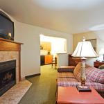 Holiday Inn Express & Suites- Jacuzzi  Suite with fireplace