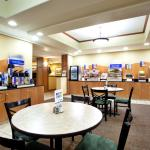 Photo de Holiday Inn Express Claypool Hill