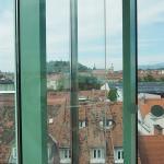 Blick vom Lift auf die Stadt