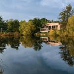 Brompton Lakes, luxury lakeside lodges