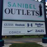 Sanibel Outlets Foto