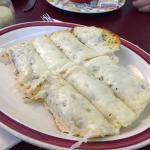 Delicious meal - cheese bread is amazing