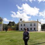 Frente al Museo en Porto Seguro.