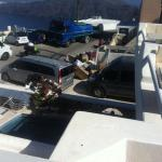 Vista mozzafiato su immondizia maleodorante a scarichi di camion