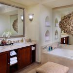 Executive Suite Bathroom, Residence & Spa