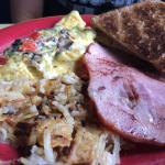 Veggie Delight and Senorita's Choice Omelette and menus (June 2016)