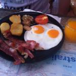 The Aussie Buster breakfast at Neeshys