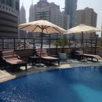 Photo de Golden Tulip Thanyah Hotel Apartments