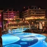 Royal Dragon Hotel Foto