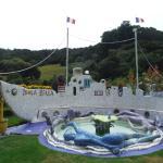 Isola Bella ship and fountain. Very weird. Good weird.