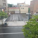窓の外 6月なのに気温は10度以下 冷たい雨