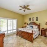 The Honeymoon Suite - Bedroom