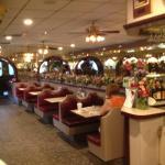 Latham 76 Diner - dining room