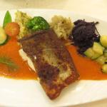 Cabillaud, sauce poivrons et ses petits légumes
