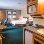Park Place Lodge Hotel Fernie - Standard Room with Queen Bed