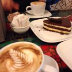 Cafe capuchino + cheesecake chocolate