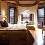 The Sunrise Room has a king size bed that can be split into two singles if needed