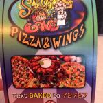 Foto Stone Baked Pizza and Wings