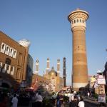 Вид на минарет с мечетью, левее и ближе к точке съемки один из корпусов Гранд Базара