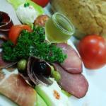Tradicija, rakija i meze restorana Košuta