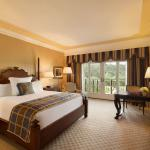 Fairmont King Guestroom